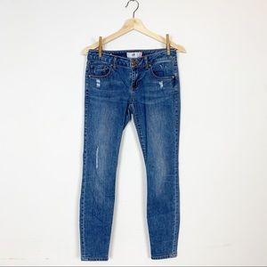 CABI Cute Distressed Skinny Jean 2 Light/Medium